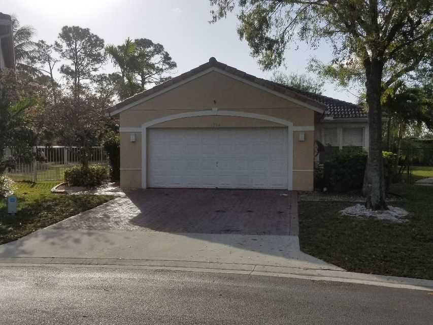 6284 Willoughby Circle  Lake Worth, FL 33463
