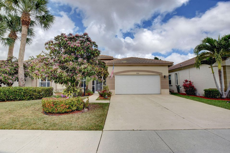 8501 Cypress Glen Court  Lake Worth, FL 33467