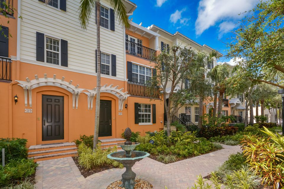Townhouse for Rent at 317 W Mallory Circle 317 W Mallory Circle Delray Beach, Florida 33483 United States