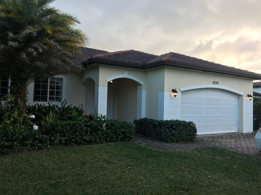 Single Family Home for Sale at 8220 SW 190th Terrace 8220 SW 190th Terrace Cutler Bay, Florida 33157 United States