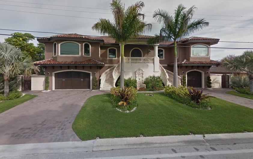 独户住宅 为 销售 在 343 55th Avenue 343 55th Avenue 圣彼得堡, 佛罗里达州 33706 美国