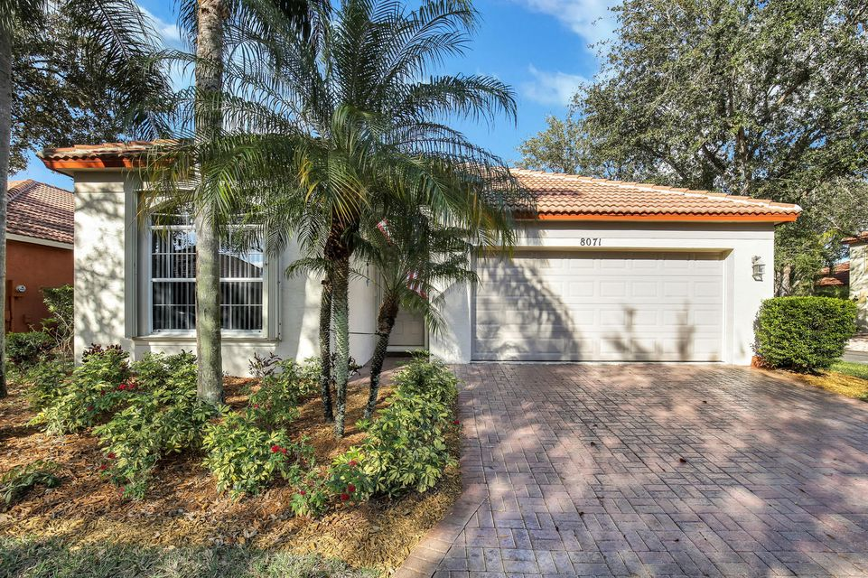 8071 Via Hacienda , Palm Beach Gardens FL 33418 is listed for sale as MLS Listing RX-10407955 24 photos