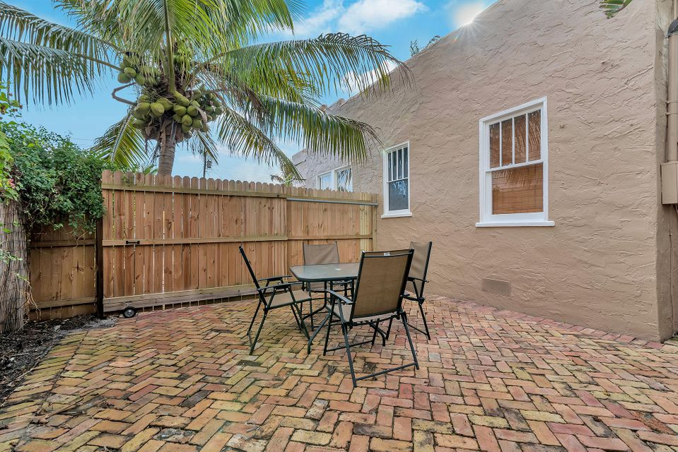 303 Central Drive West Palm Beach, FL 33405 small photo 13