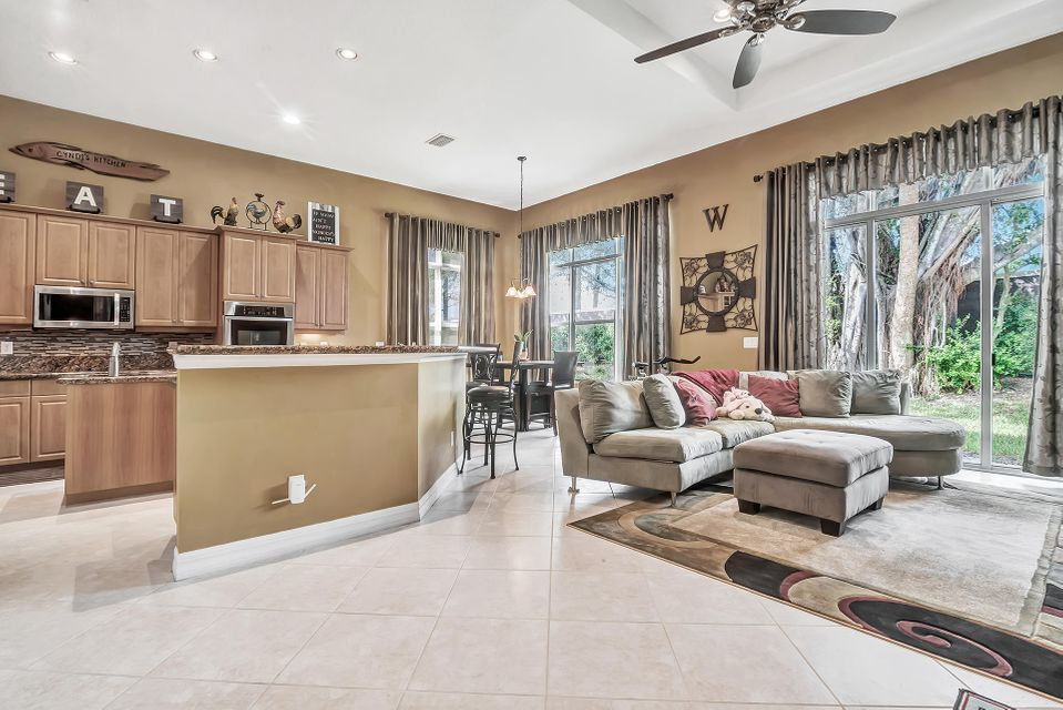 8413 Butler Greenwood Drive Royal Palm Beach, FL 33411 small photo 22