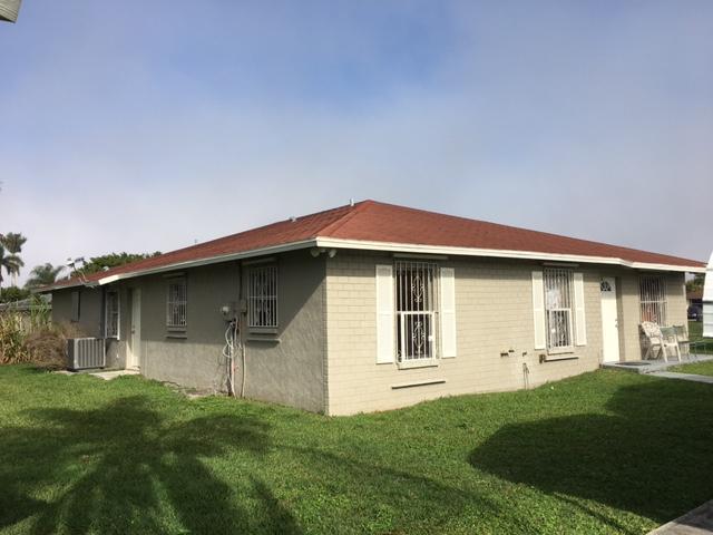 独户住宅 为 销售 在 319 Seminole Court 319 Seminole Court Pahokee, 佛罗里达州 33476 美国