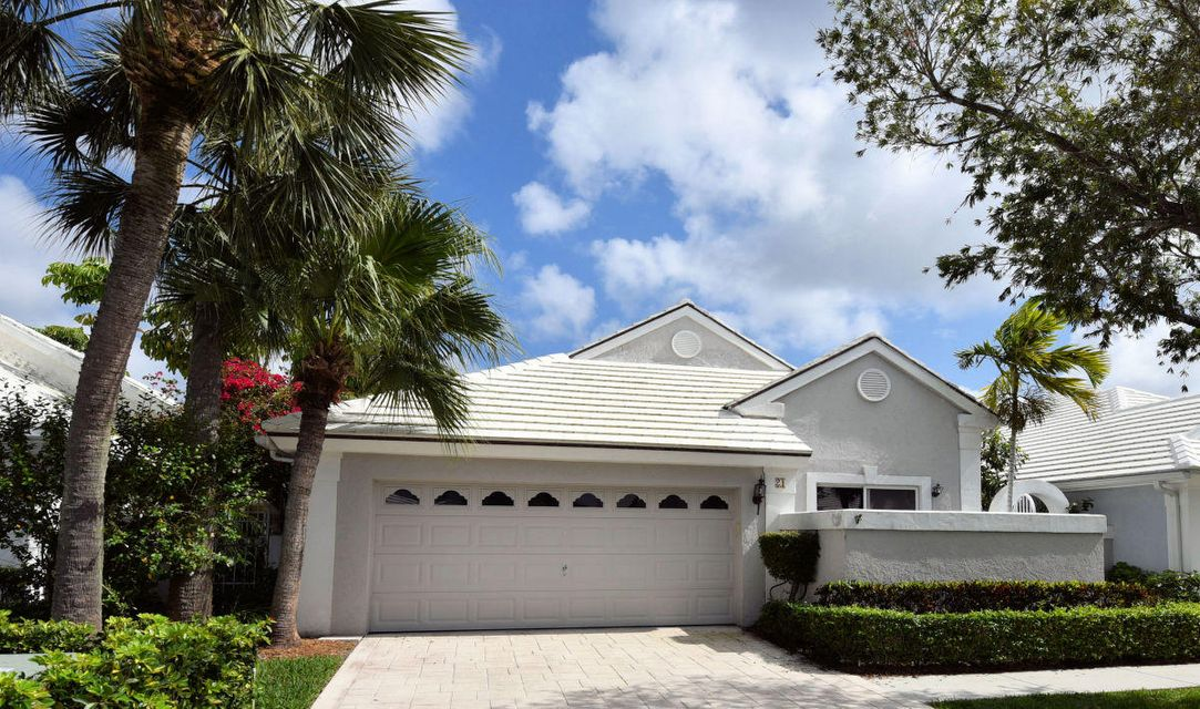 21 Selby Lane , Palm Beach Gardens FL 33418 is listed for sale as MLS Listing RX-10407176 23 photos