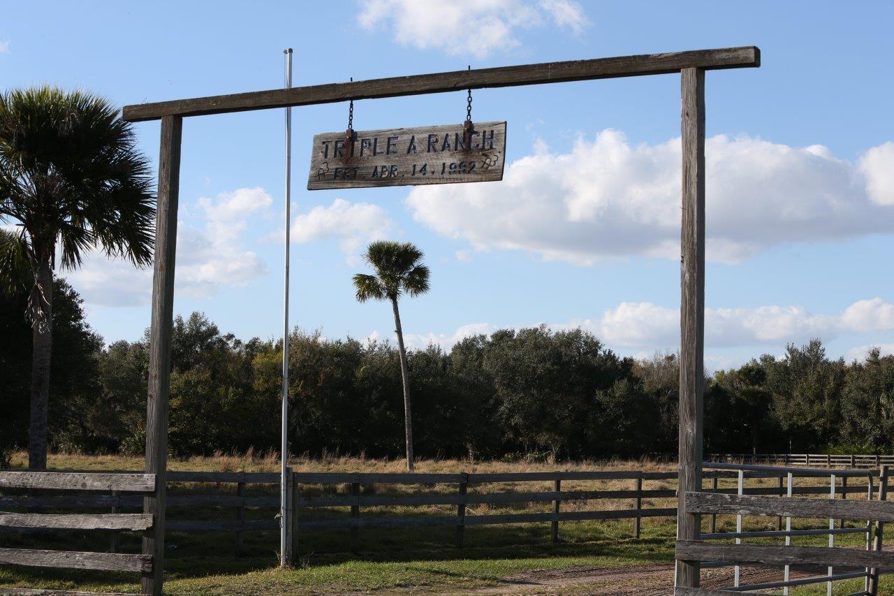 Terreno por un Venta en 43153 Us Highway 441 Highway 43153 Us Highway 441 Highway Okeechobee, Florida 34972 Estados Unidos
