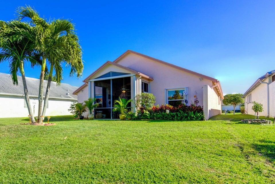 5031 Robino Circle West Palm Beach, FL 33417 photo 2