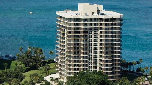 Кондоминиум для того Продажа на 901 E Camino Real # 6A 901 E Camino Real # 6A Boca Raton, Флорида 33432 Соединенные Штаты