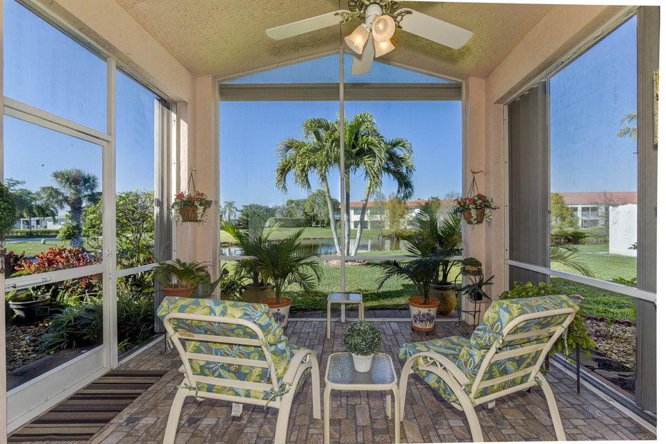 5031 Robino Circle West Palm Beach, FL 33417 photo 4