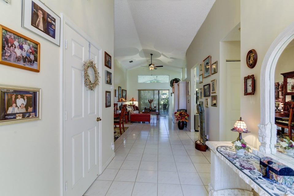 5031 Robino Circle West Palm Beach, FL 33417 photo 5