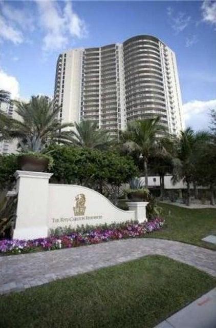 共管式独立产权公寓 为 销售 在 2700 N Ocean Drive # 2004B 2700 N Ocean Drive # 2004B Riviera Beach, 佛罗里达州 33404 美国