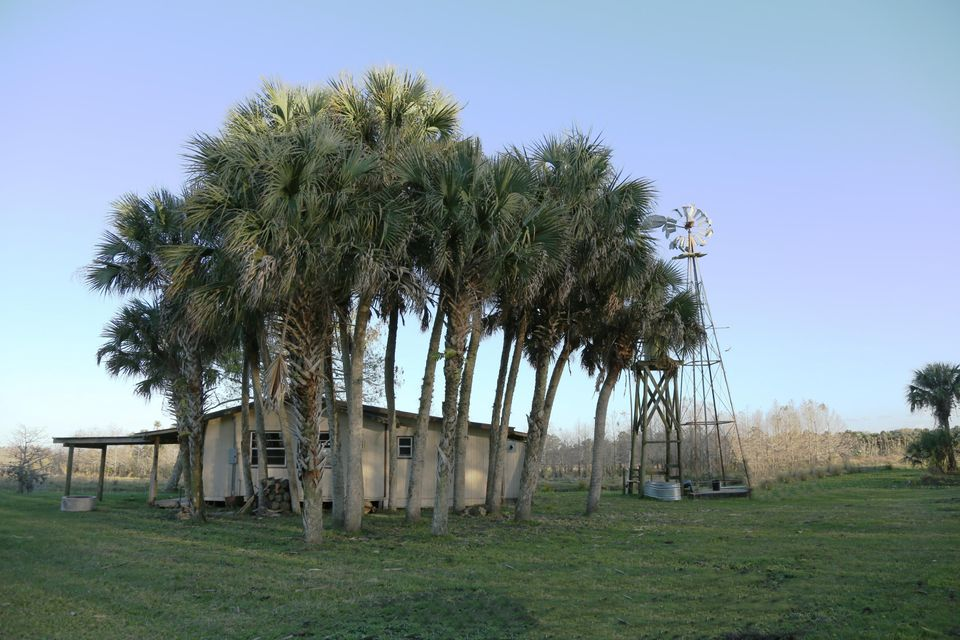 Additional photo for property listing at 43153 Us Highway 441 Highway 43153 Us Highway 441 Highway Okeechobee, Florida 34972 United States