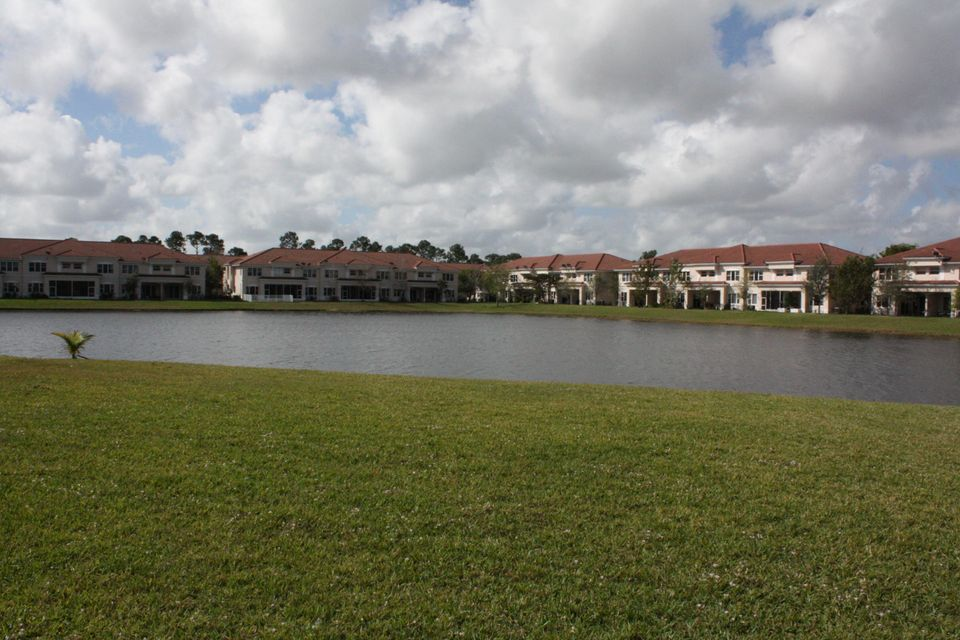 Townhouse for Sale at 2043 SW Newport Isles Boulevard 2043 SW Newport Isles Boulevard Port St. Lucie, Florida 34953 United States