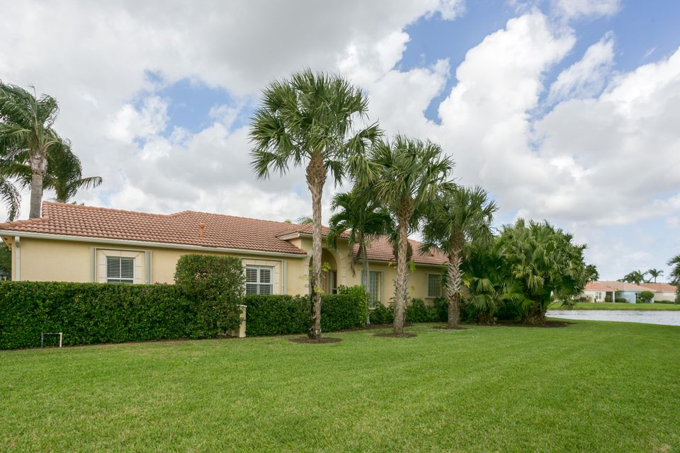 252 Isle Verde Way , Palm Beach Gardens FL 33418 is listed for sale as MLS Listing RX-10405037 12 photos