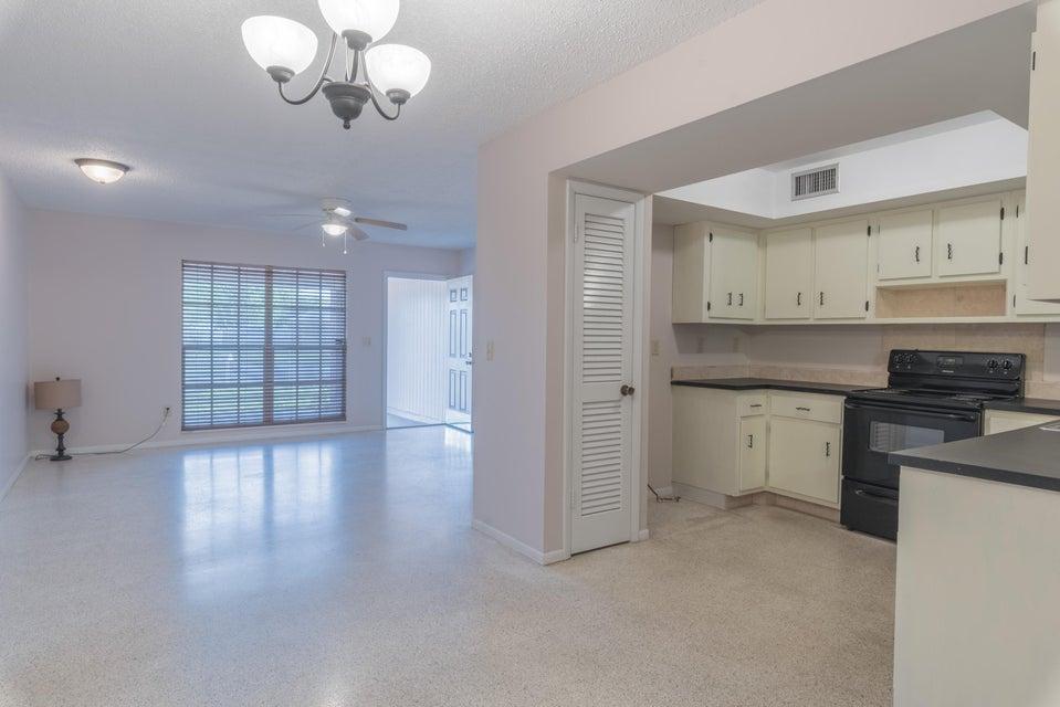 Single Family Home for Sale at 151 NE Penlynn Avenue 151 NE Penlynn Avenue Port St. Lucie, Florida 34983 United States