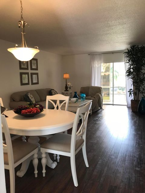 Additional photo for property listing at 1911 SW Palm City Road # 6-I 1911 SW Palm City Road # 6-I Stuart, Florida 34994 United States