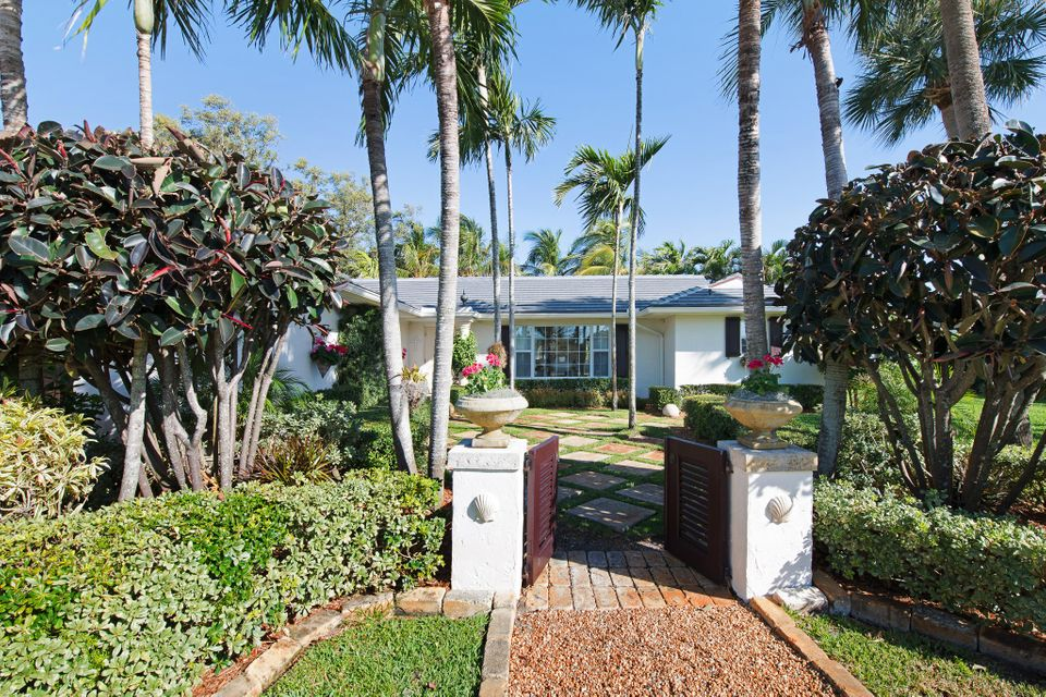 2463 Bay Circle , Palm Beach Gardens FL 33410 is listed for sale as MLS Listing RX-10409162 36 photos