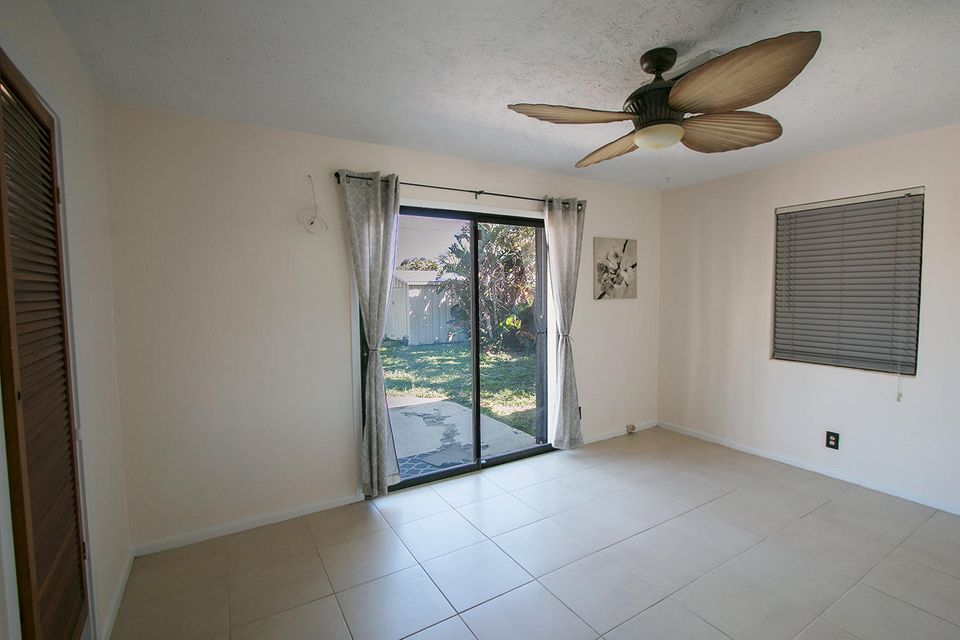914 Wright Drive Lake Worth, FL 33461 photo 5