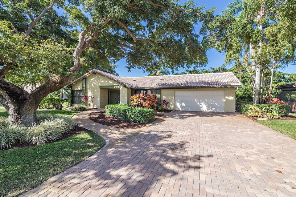 6175 Celadon Circle , Palm Beach Gardens FL 33418 is listed for sale as MLS Listing RX-10409102 42 photos