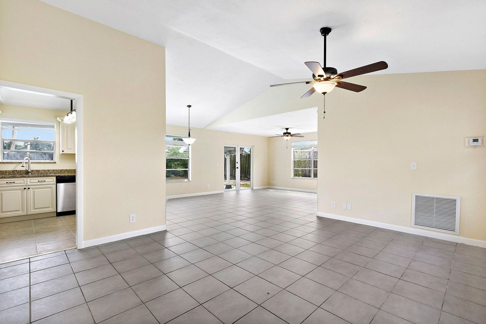 1068 Concert Way Royal Palm Beach, FL 33411 small photo 8