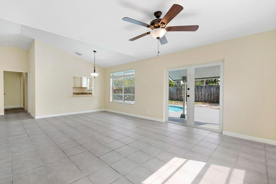 1068 Concert Way Royal Palm Beach, FL 33411 photo 10