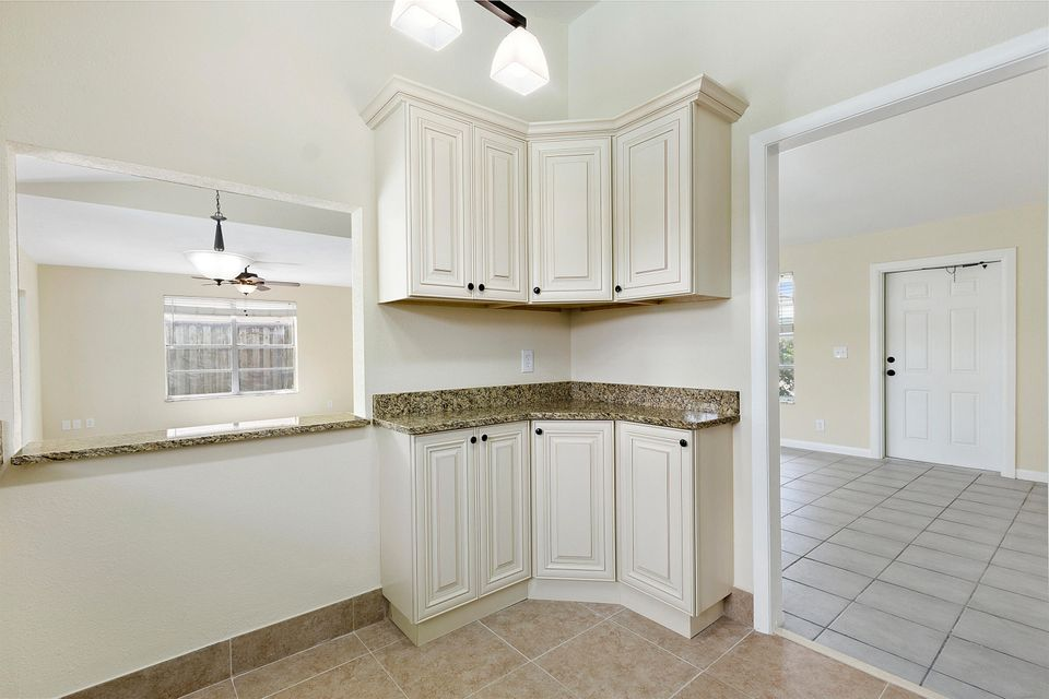 1068 Concert Way Royal Palm Beach, FL 33411 small photo 6