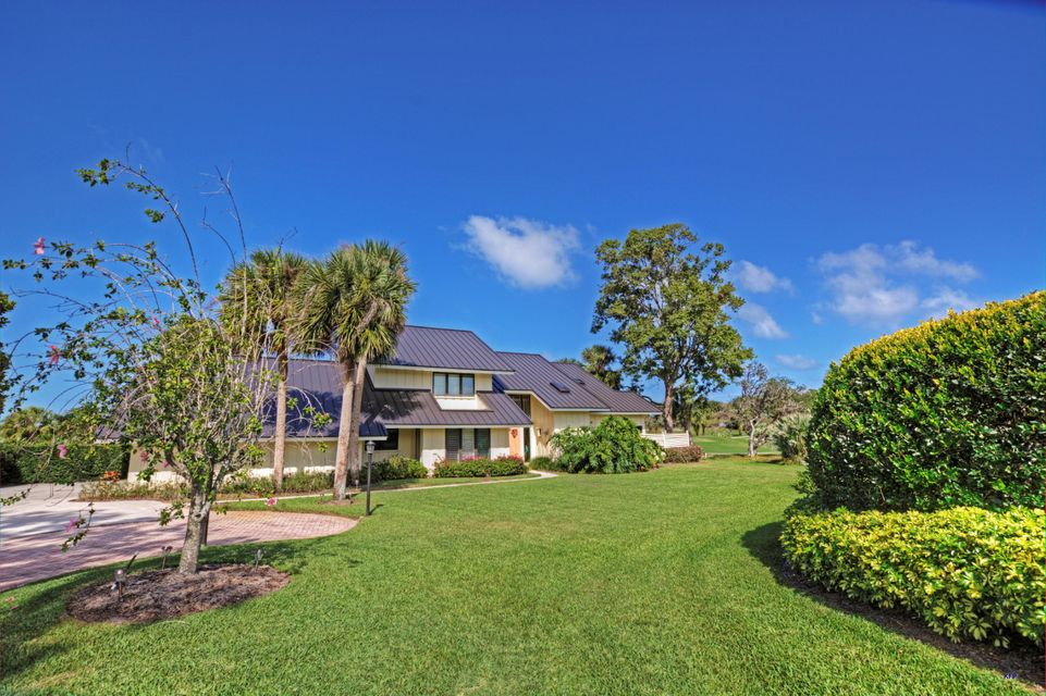 Single Family Home for Sale at 6323 SE Farmington Place 6323 SE Farmington Place Stuart, Florida 34997 United States