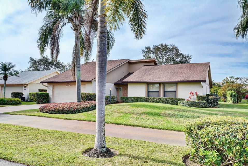 6750 Eastpointe Pines Street , Palm Beach Gardens FL 33418 is listed for sale as MLS Listing RX-10398360 29 photos