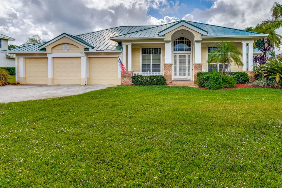 Single Family Home for Sale at 3756 SE Bent Banyan Way 3756 SE Bent Banyan Way Stuart, Florida 34997 United States