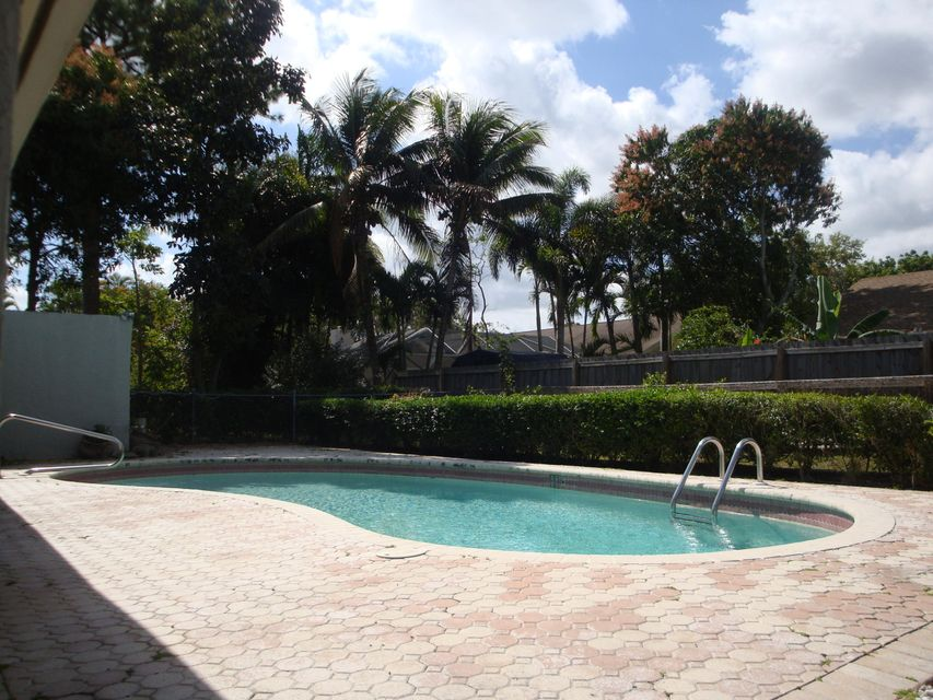 175 Miramar Avenue Royal Palm Beach, FL 33411 photo 29