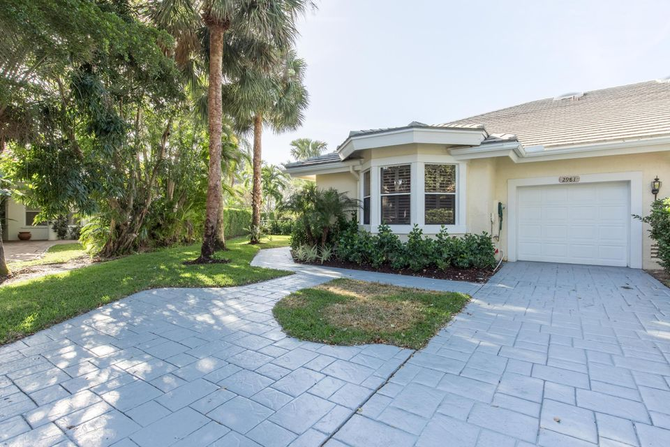Townhouse for Sale at 2981 Twin Oaks Way 2981 Twin Oaks Way Wellington, Florida 33414 United States
