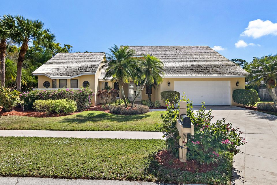 18926 Still Lake Drive  Jupiter FL 33458