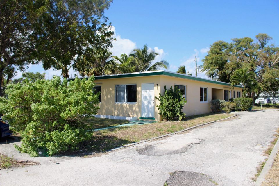 Duplex for Sale at 327 Decarie Street 327 Decarie Street Delray Beach, Florida 33444 United States