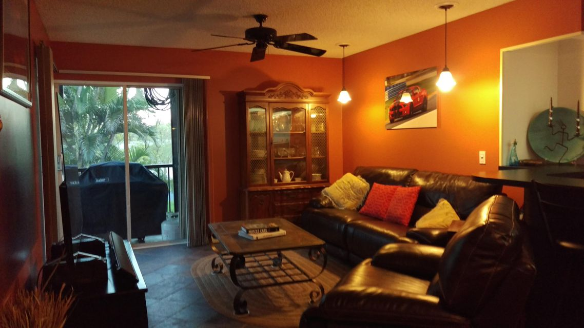 Condominium for Sale at 1850 Fairview Villas Drive # 3 1850 Fairview Villas Drive # 3 Palm Springs, Florida 33406 United States
