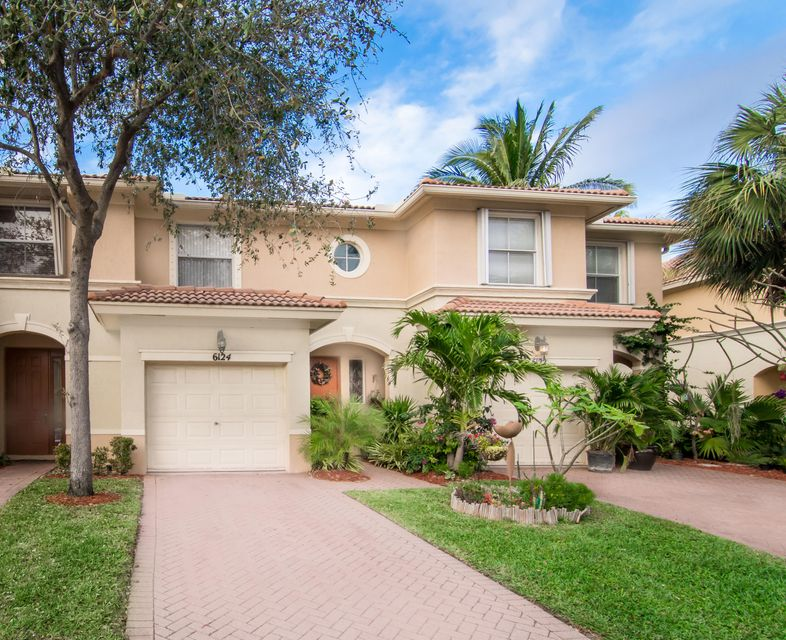 6124 Seminole Gardens Circle , Palm Beach Gardens FL 33418 is listed for sale as MLS Listing RX-10410719 31 photos