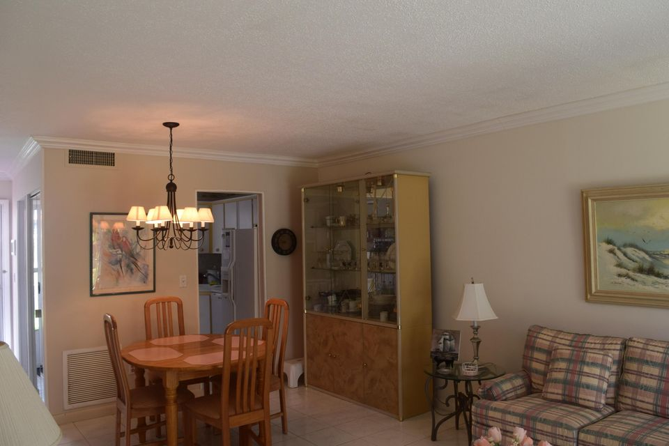 Additional photo for property listing at 1931 SW Palm City Road # 16 E 1931 SW Palm City Road # 16 E Stuart, Florida 34994 United States