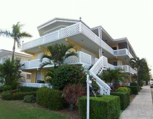 Condominium for Rent at 131 N Golfview Road # 4 131 N Golfview Road # 4 Lake Worth, Florida 33460 United States