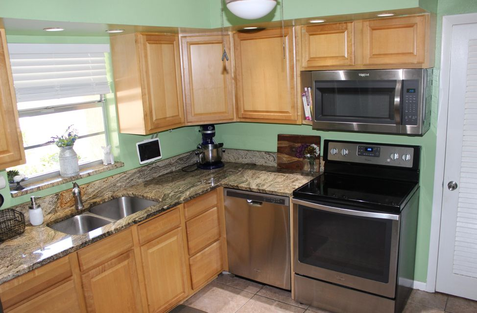 10821 N Military Trail 8 , Palm Beach Gardens FL 33410 is listed for sale as MLS Listing RX-10409604 11 photos