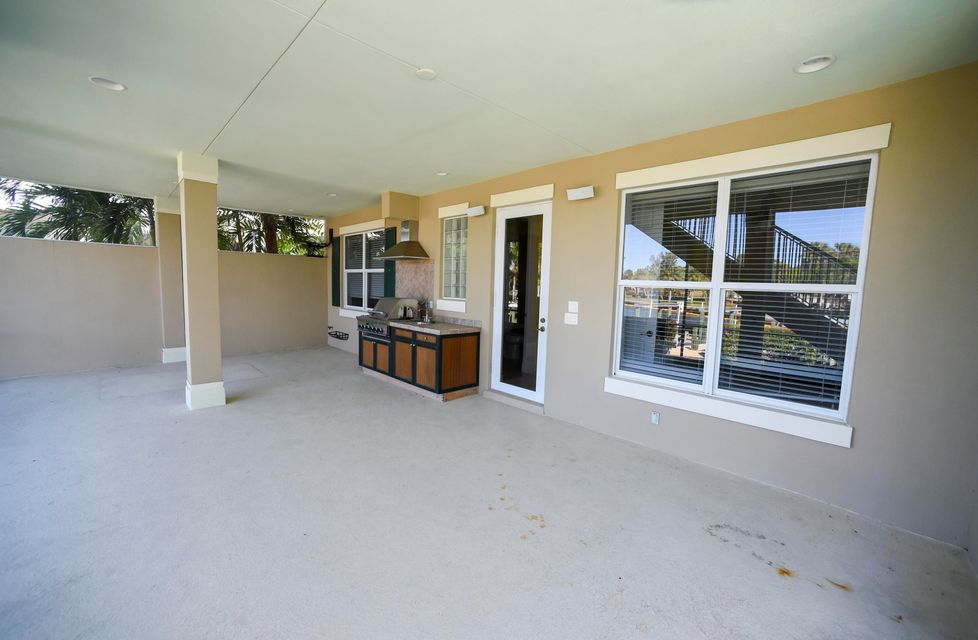 Additional photo for property listing at 552 SW Saint Lucie 552 SW Saint Lucie Stuart, Florida 34994 United States