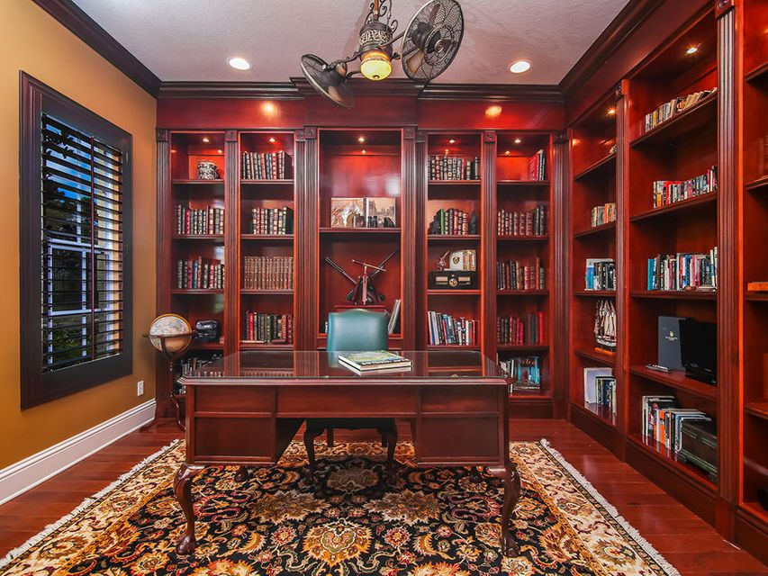 Additional photo for property listing at 761 SW Canoe Creek Terrace 761 SW Canoe Creek Terrace Palm City, Florida 34990 United States