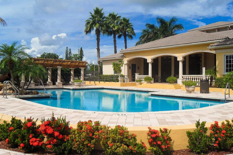 1000 Crestwood Court 1015 Royal Palm Beach, FL 33411 photo 17