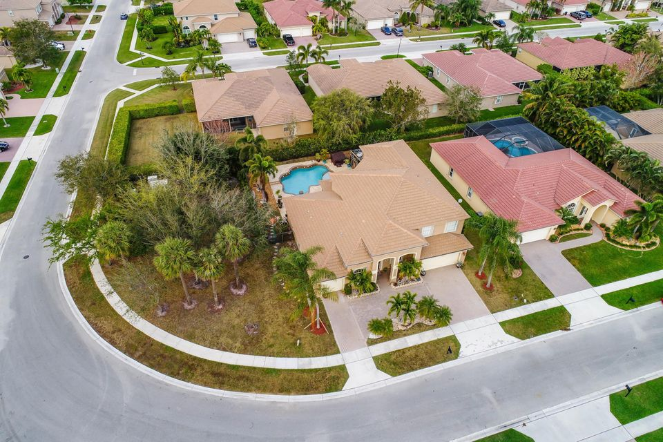 1532 Stonehaven Estates Drive West Palm Beach, FL 33411 photo 17