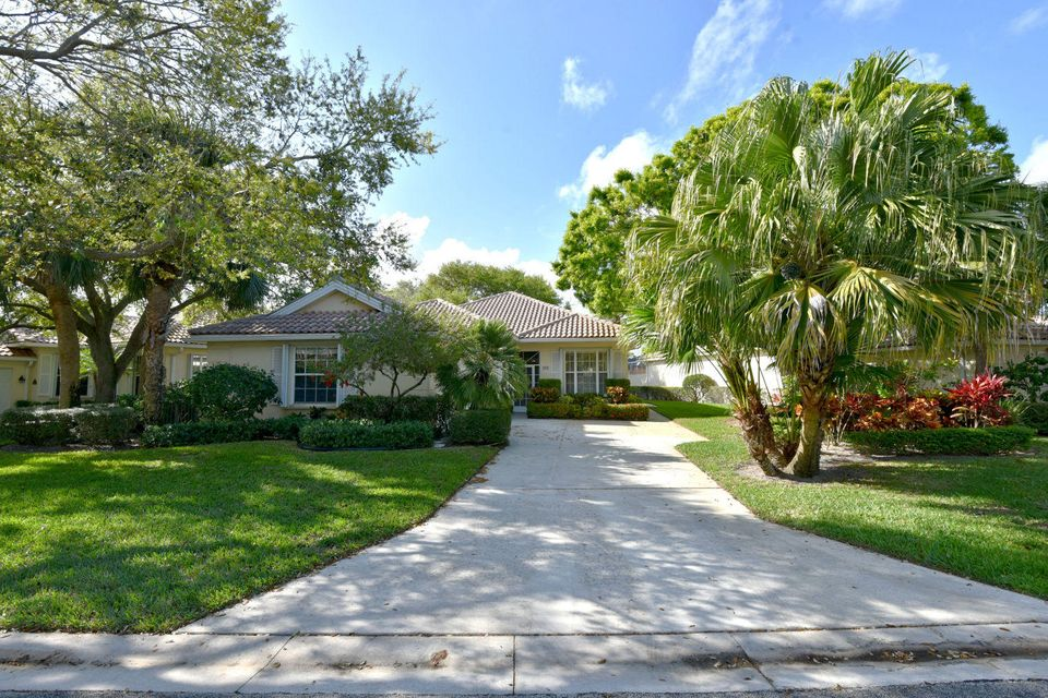 Oaks East Homes for sale in Palm Beach Gardens