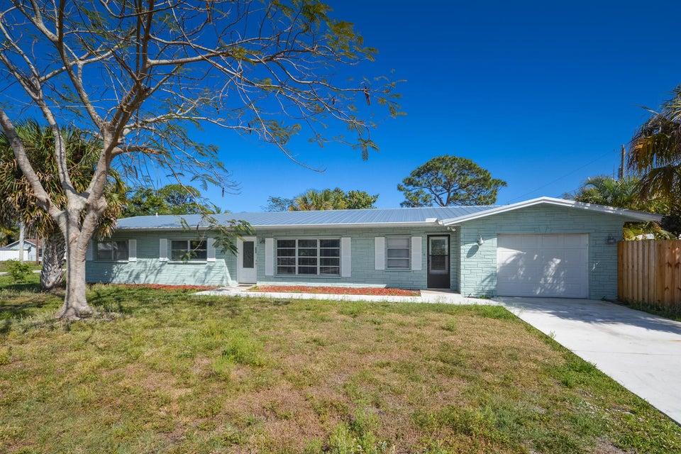 Single Family Home for Sale at 3305 SW Feroe Avenue 3305 SW Feroe Avenue Palm City, Florida 34990 United States