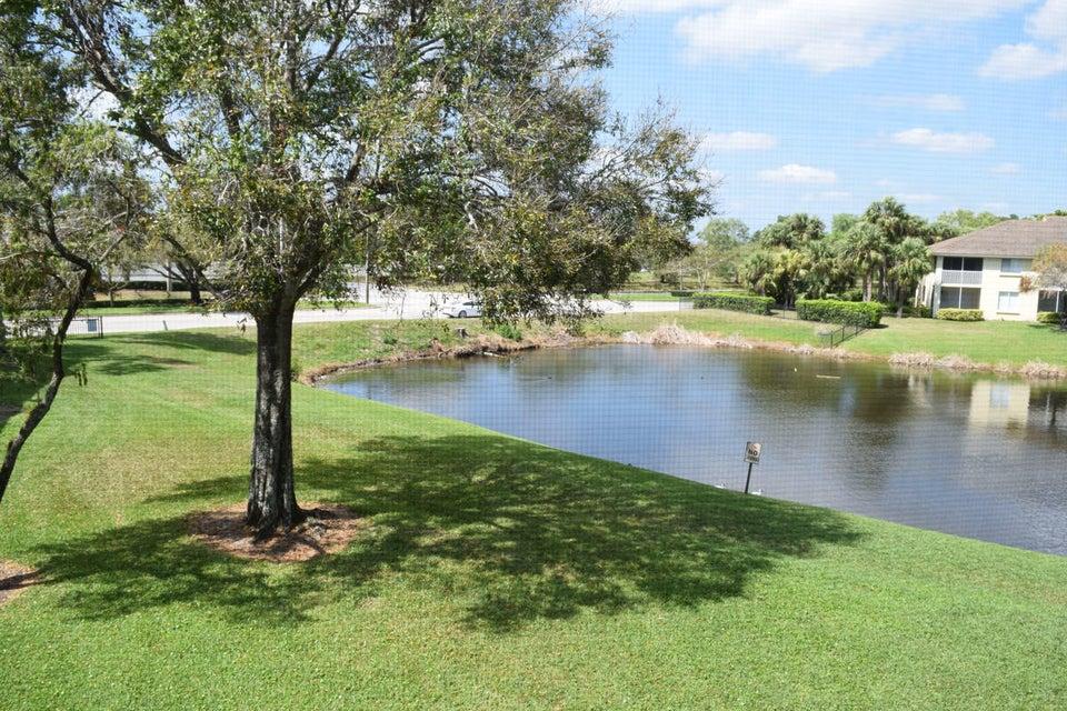 1190 The Pointe Drive  West Palm Beach, FL 33409
