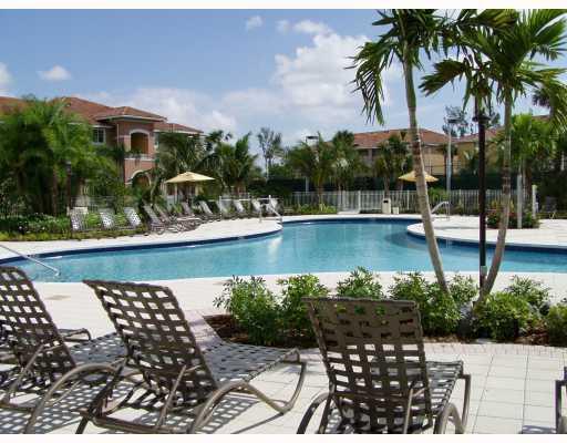 Condominium for Rent at 6521 Emerald Dunes Drive # 306 6521 Emerald Dunes Drive # 306 West Palm Beach, Florida 33411 United States
