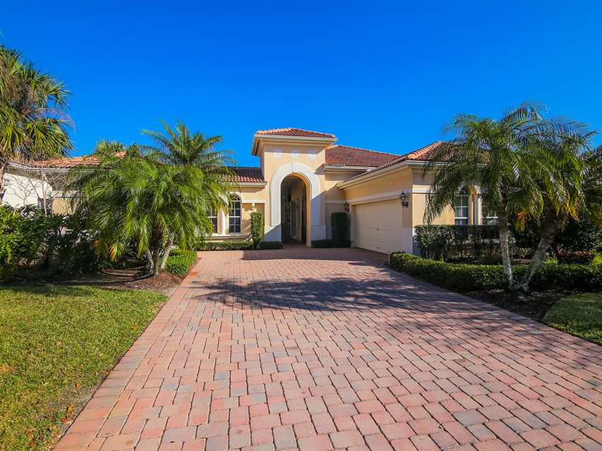 Single Family Home for Sale at 2501 SW Bridgeview Terrace 2501 SW Bridgeview Terrace Palm City, Florida 34990 United States