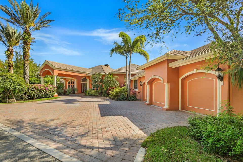 Single Family Home for Sale at 7085 NW 84 Avenue 7085 NW 84 Avenue Parkland, Florida 33067 United States