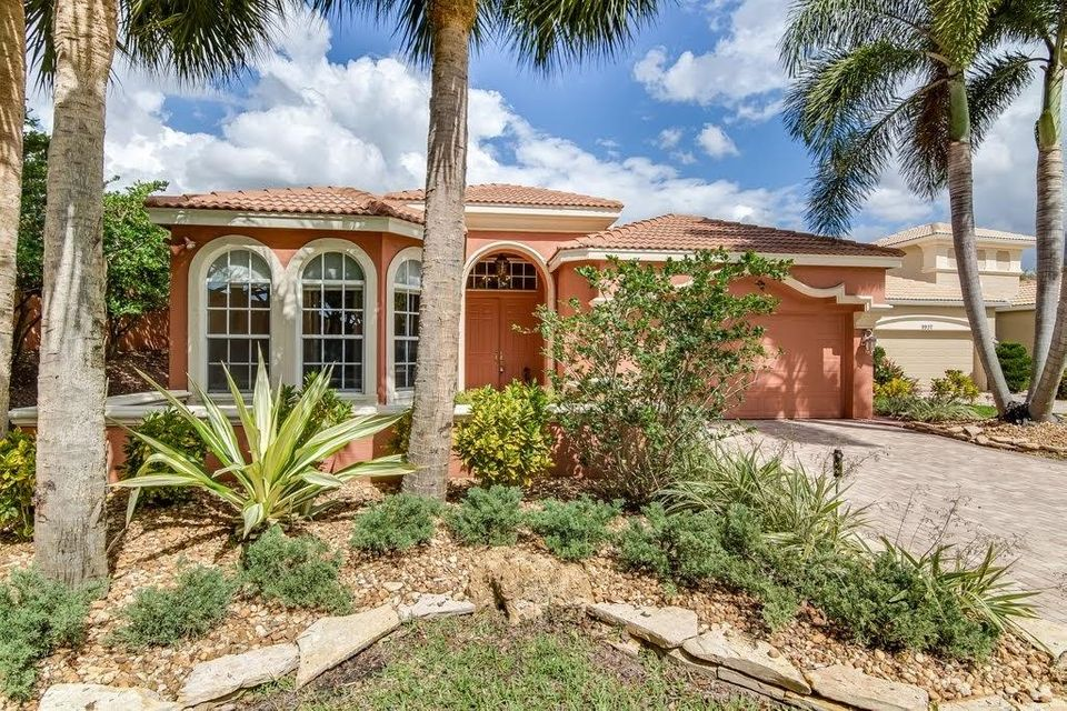 9949 Via Elegante Wellington, FL 33414 photo 3
